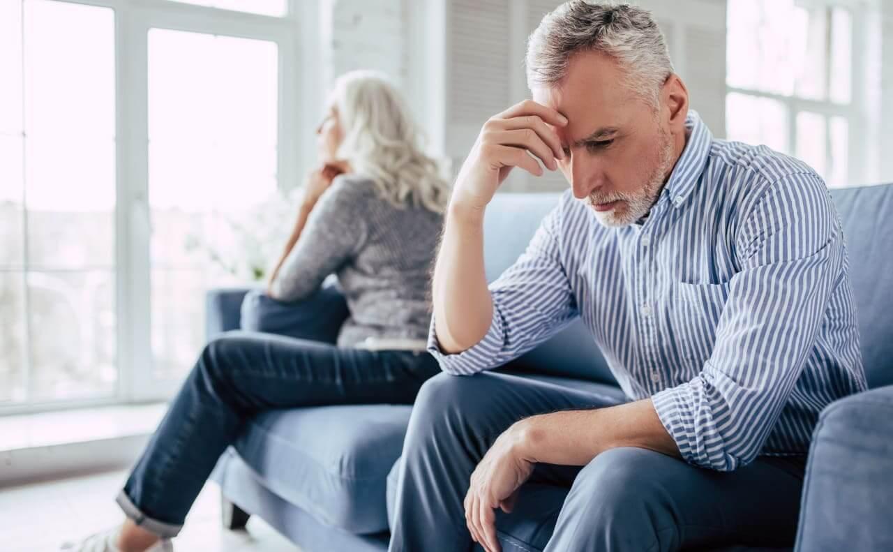 熟年離婚が年々増加している【熟年離婚に多い理由】